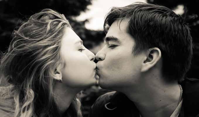 一目惚れされやすい女性の特徴と一目惚れさせる方法